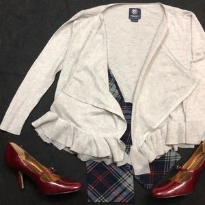Am Eagle sweater with ruffle